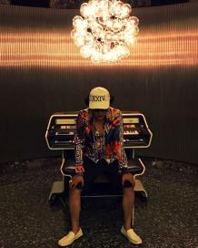 Bruno Mars Impersonator 24k magic