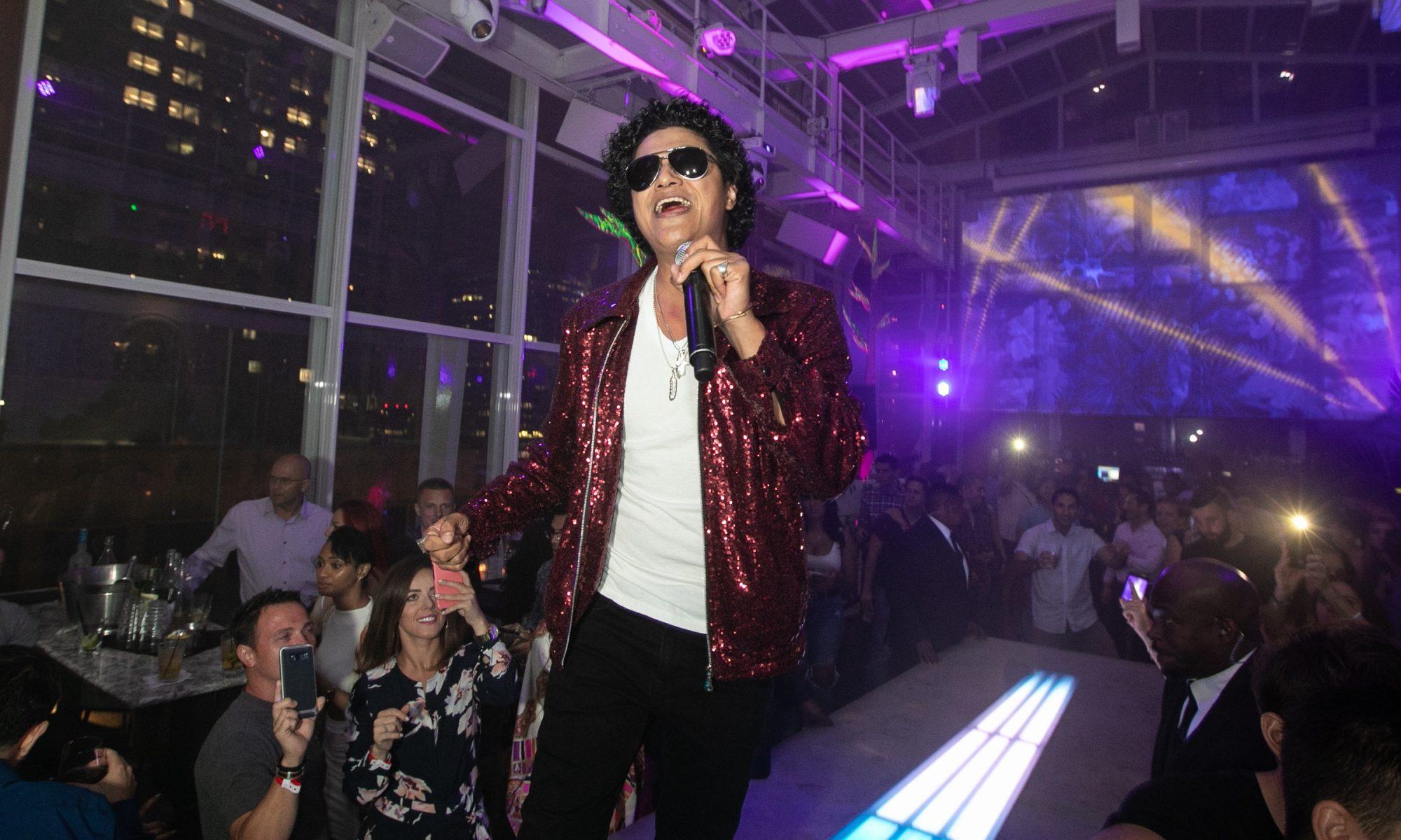 Bruno Mars Impersonator   Bruno Mars Look Alike